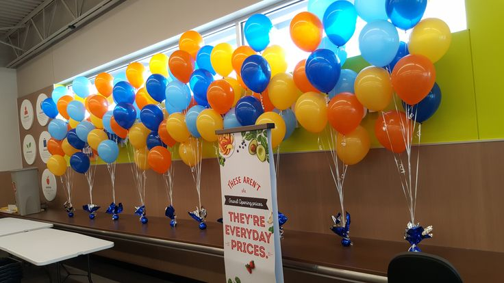 One of three Aldi Food store openings today and Life O' The Party was there. #balloons, #balloondecorating, #lotparty.com, #Aldi, #Aldifoods #grandopening