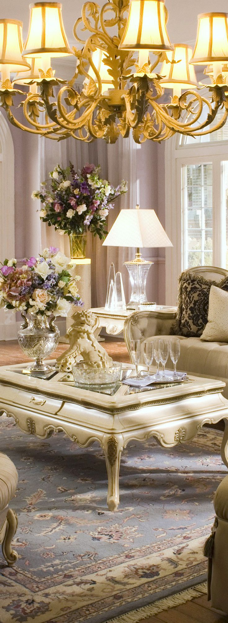 French Style And Elegant Living Room