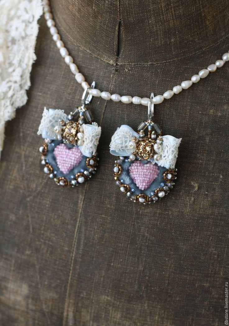 Купить Серьги с сердцами - голубой, серьги, вышитые серьги, вышивка ручная, красивые серьги