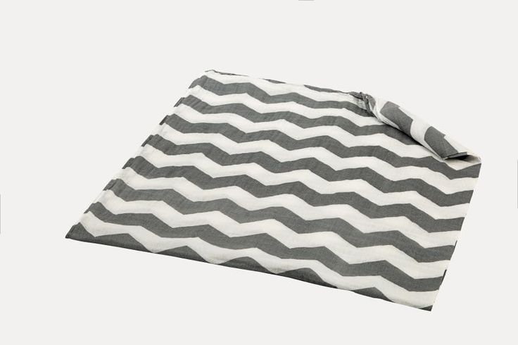 Newborn Baby Blanket 47*47 inch Muslin Baby Swaddling Blanket Infant 100% Cotton SwaddleTowel Random Delivery