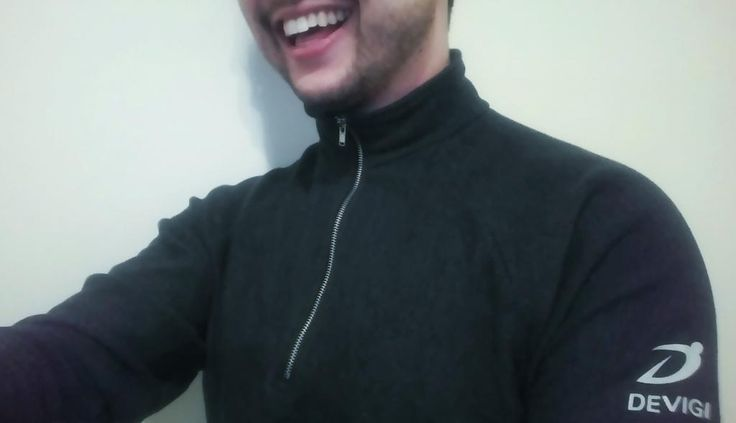 It may be cold today, but my @DevigiInc quarter zip is keeping me warm! #workoutready