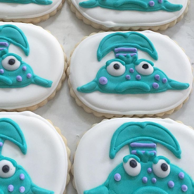 Pout Pout Fish cookies made by Ellie & Ash for a birthday party.