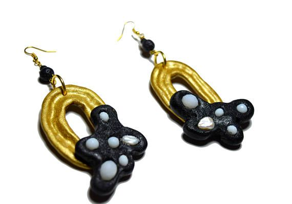 Christmas earrings, Christmas gift for mom, Contemporary gold earrings, Gold and Black earrings, Polymer clay earrings, Contemporary jewelry  #fashion #style #abstract #abstractjewelry #contemporarydesign #contemporarystyle #christmasgifts #giftforher #pearlearrings #earringsoftheday