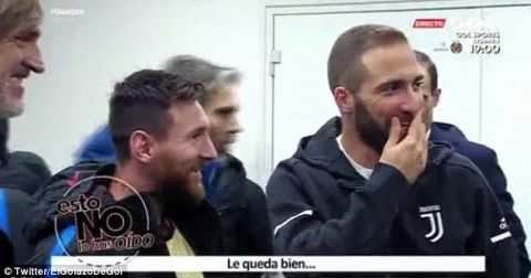 Messi told he suits substitutes vest by Gonzalo Higuain after being left on the bench