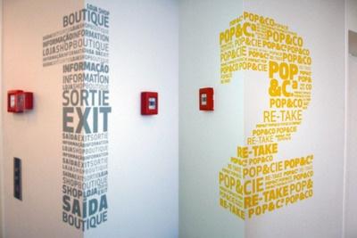 Dual-functioning signage from Centro Cultural de Belém, Lisbon.