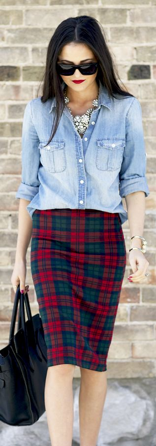 i love this look!!! I don't think I could pull it off but still love it!!!