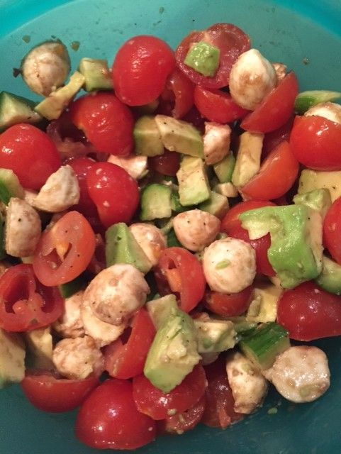 Looking for a quick and easy (not to mention healthy!) recipe this summer? Look no further! #salad #summer #healthy #recipe