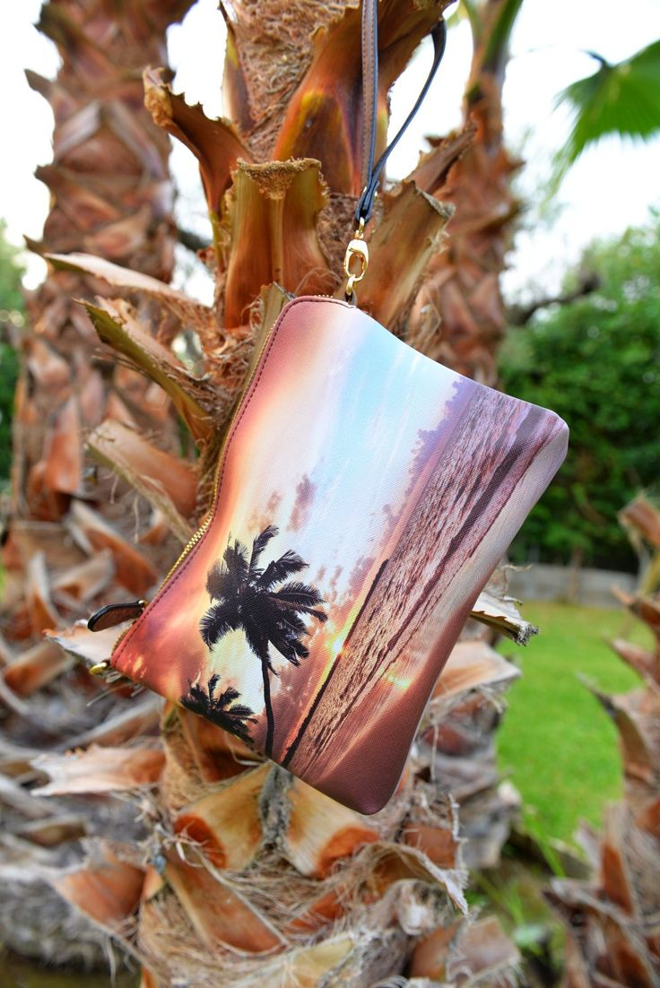 Palm trees 🌴, ocean breeze, salty hair.. the endelss summer take us there 😇 Find yours at: http://celdes.com/bags/1213-colombia-sunset.html #exploreceldes #exploretheworld #palmtrees #endlesssummer #celdes