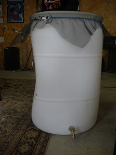 The Sustainable Couple: Make Your Own Rain Barrel!