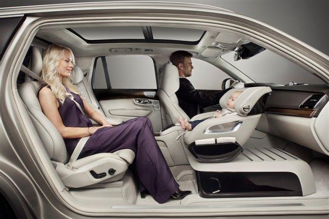 El equipo de diseño de Volvo Cars reinventó por completo la forma de llevar niños seguros en los vehículos del futuro. La medida que sigue a la Shanghai revela la Excelencia XC90 que se mostró en un nuevo concepto de consola en el salón, marcando un audaz y lujoso paso adelante para la marca d...