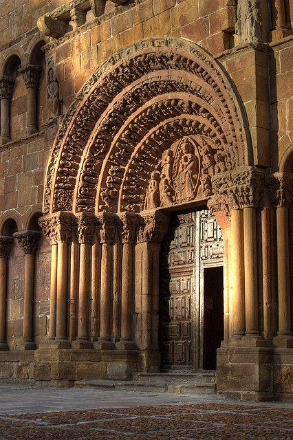 Portada de la Iglesia de Santo Domingo (Soria)  Spain