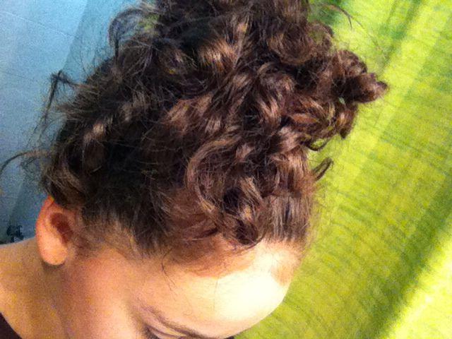 Capelli ricci in una cipolla | curly hair in a bun :)