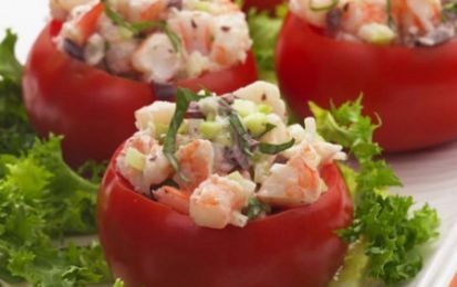 Pomodori ripieni alla marinara - Ecco per voi una favolosa ricetta per fare i Pomodori ripieni alla marinara, un piatto estivo e fresco perfetto per tutta la famiglia, provatelo anche voi!