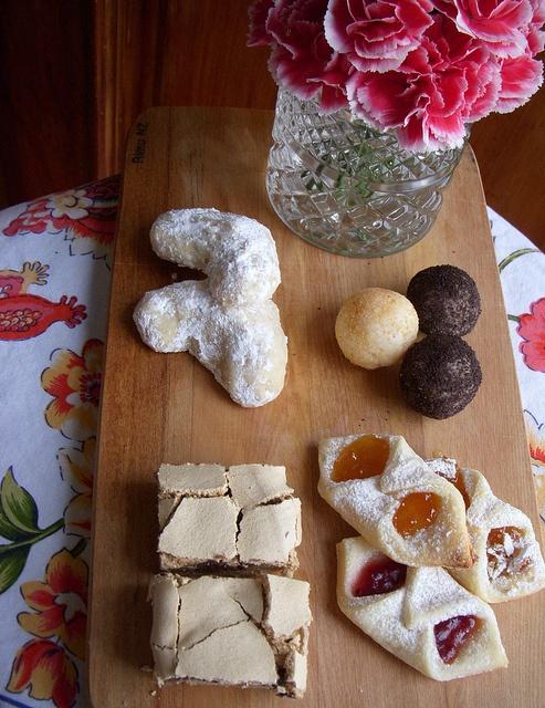Cookies. Recipe: http://freebiegate.com/cake-or-spaghetti/cakes-or-spaghetti.html