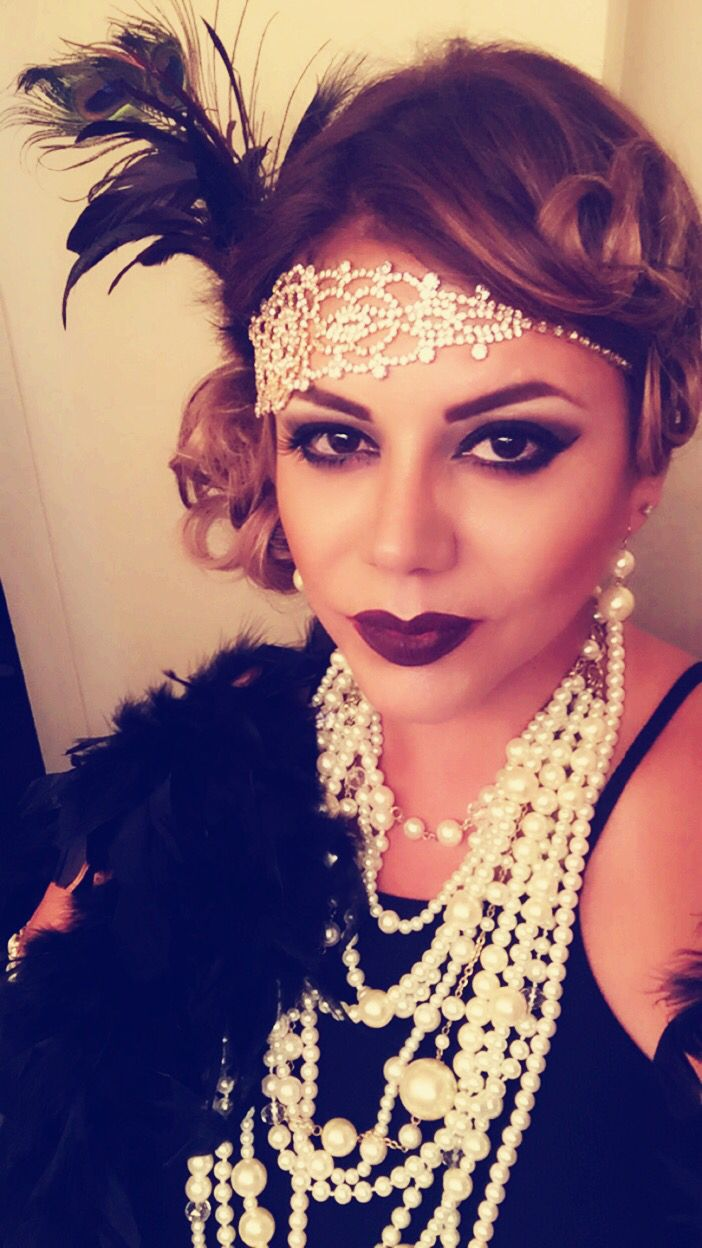 Flapper girl makeup