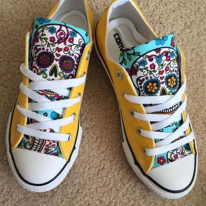 Awesome candy skull Converse