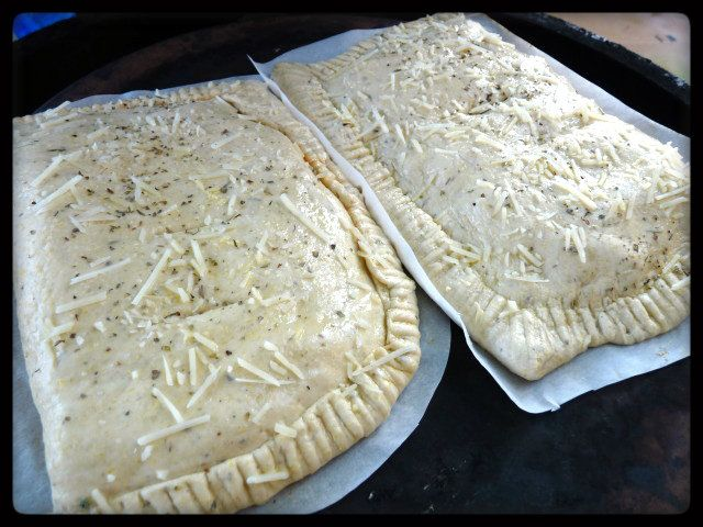 What is the difference between a calzone and a stromboli? I looked all over the internet….at least as much as I could before the ADHD kicked in and things quit processing and I got bored…