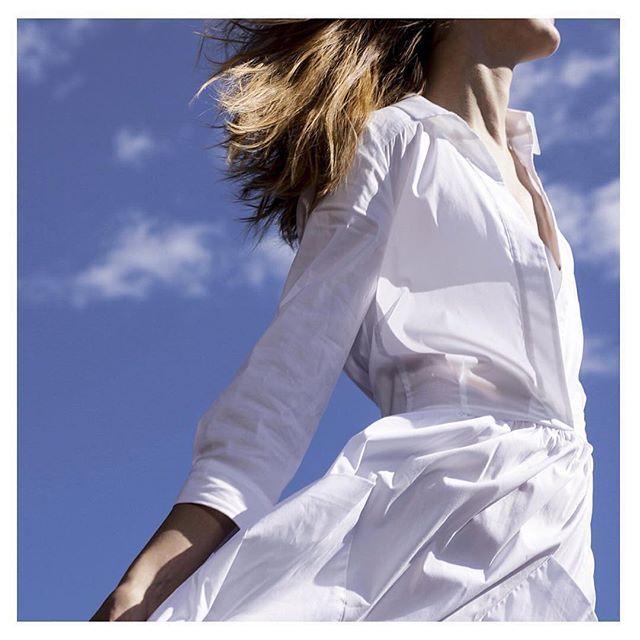 Free like the wind ☀️😎⛱💛 #gomez #gomezpl #gomezstyle #gomezlove #freedom #ss16 #twinset #whitedress #whiteaddict #weekendgetaway #saturday #summerdress #skyisthelimit
