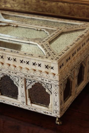 chinoiserie trinket box