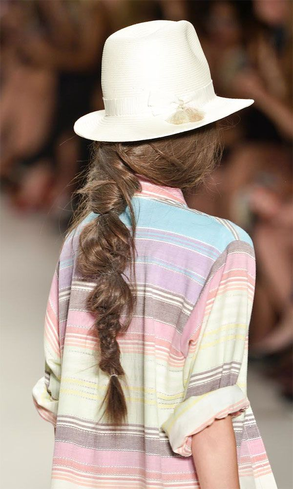 We've been seeing a lot of gorgeous messy braids lately. This #NYFW model nailed this look!