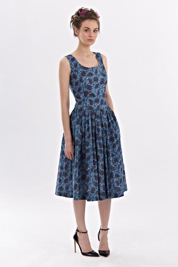 Lydia low waist dress made of Liberty Art Fabric door mrspomeranz