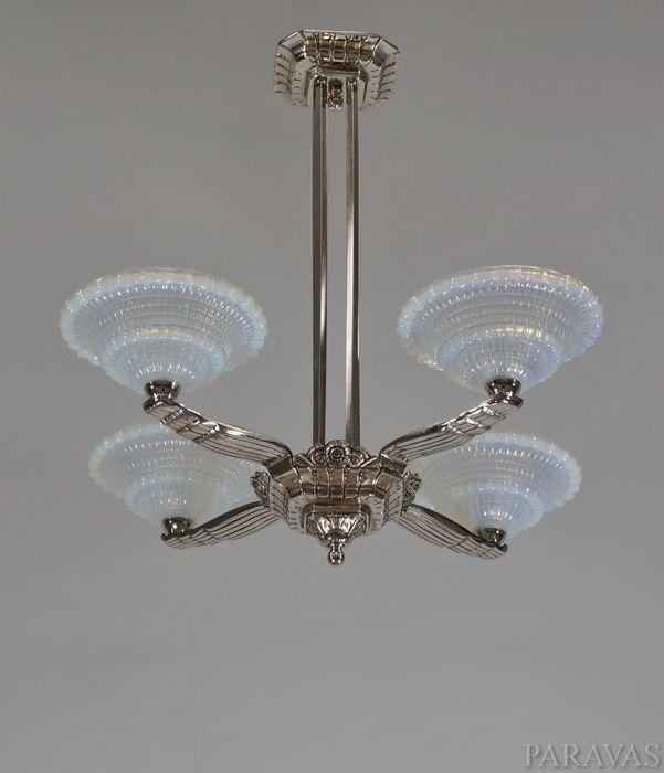 Laval en Ezan - Art Deco Chandelier - Nickeled bronzen en opalen glas
