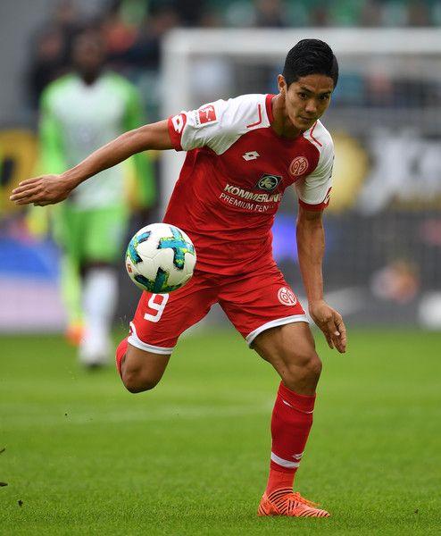 Yoshinori Muto of Mainz in action during the Bundesliga match between VfL Wolfsburg and 1. FSV Mainz 05 at Volkswagen Arena on September 30, 2017 in Wolfsburg, Germany.