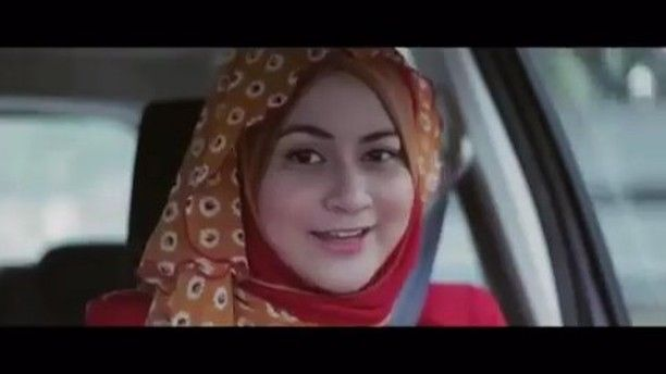 Sekumpulan Orang Gila - Lagu Raya ft. Ana Raffali  Asal: Kuala Lumpur Malaysia. Genre: Post-hardcore / Alternative Rock. @wearesog