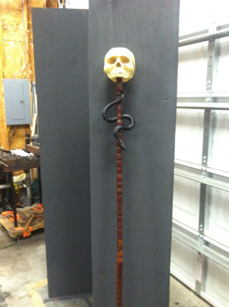 Will be a voodoo priest this year. turned the staff on the lathe and then joined the 2 pieces together using a dowel rod.  skull is glued on a dowel rod as well.