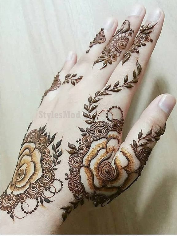 rose mehndi design back hand