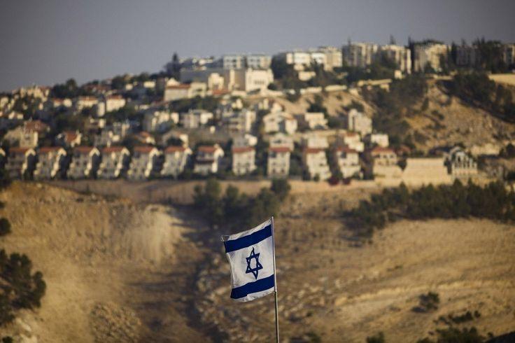 Der UN-Sicherheitsrat fordert überraschend das Ende des Baus israelischer Siedlungen im Westjordanland. Die israelische Regierung reagiert empört – und will die Resolution ignorieren.