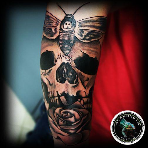 Νεκροκεφαλη μανικι created by Acanomuta Tattoo Studio. A good choice for your sleeve tattoo.