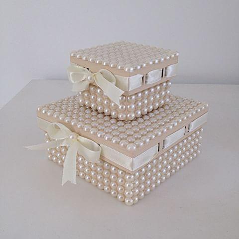 Agora temos as caixinhas com passa fita! Ficam lindas e super delicadas! ✨✨…