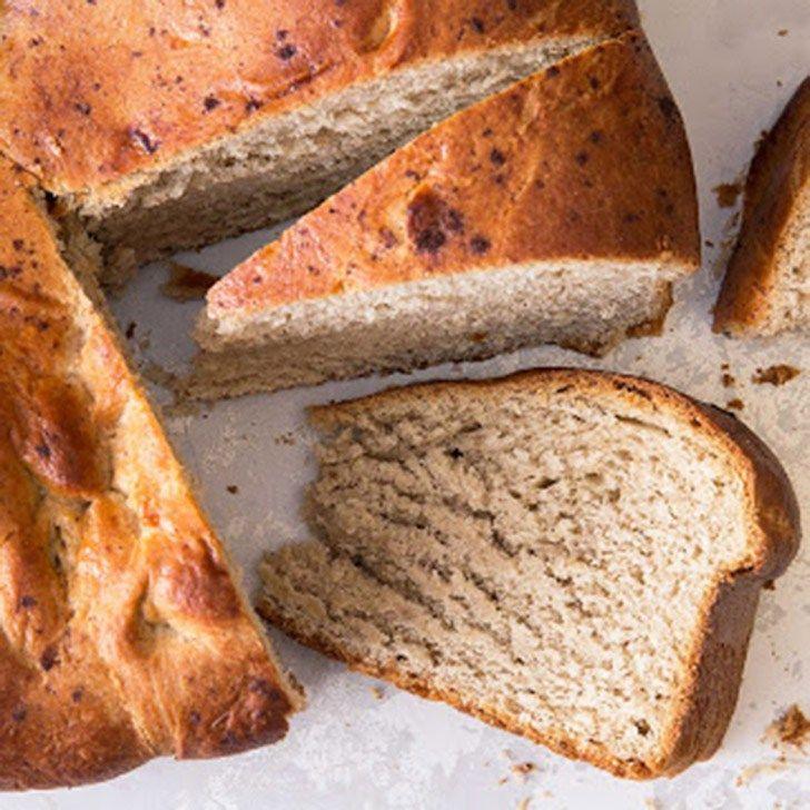 Κέικ χωρίς γλουτένη με αλεύρι αμυγδάλου, λάδι καρύδας και μέλι που γίνεται και βασιλόπιτα.  Εκτύπωση Συνταγή: Elana Amsterdam Υλικά 2 1/2 κούπες αλεύρι αμυγδάλου 4 αυγά 1/2 κούπα λάδι καρύδας 1/2 κούπα μέλι 1/2 κουτ. γλυκού θαλασσινό αλάτι 1 κουτ. γλυκού μαγειρική σόδα 1 κουτ. σούπας κανέλα 1/4 κουτ. γλυκού γαρίφαλο 1/2 κούπα σταφίδες Διαβάστε περισσότερα »