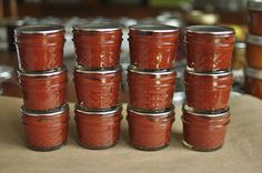 How to make tomato paste from fresh tomatoes http://foodinjars.com/2011/09/homemade-tomato-paste/