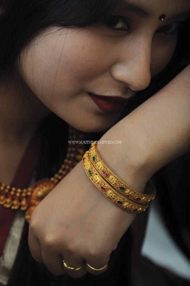 Simple Gold Bangle Designs With Stone Work, Simple Gold Bangles With Stones.