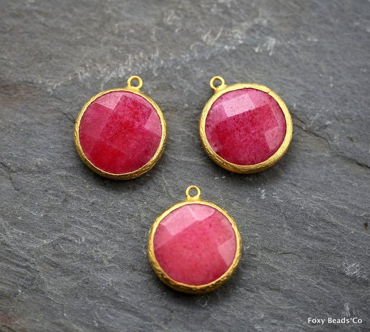 Red Jade, Gemstone Pendant, Jade Jewelry, Jade Necklace Pendant, Gemstone Necklace, Stone Pendant, 31mm, Red Gemstone Pendant, Jade Pendant