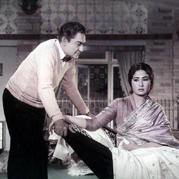 """1 Likes, 1 Comments - muvyz.com (@muvyz) on Instagram: """"#muvyz072617 #BollywoodFlashback #whichmuvyz #guessthemovie #AshokKumar #MeenaKumari…"""""""