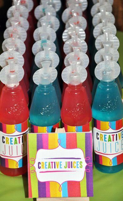 Kreatywne soki!   Przepis? czerwony: woda niegazowana + sok malinowy niebieski: sok pomarańczowy i zielony barwnik spożywczy