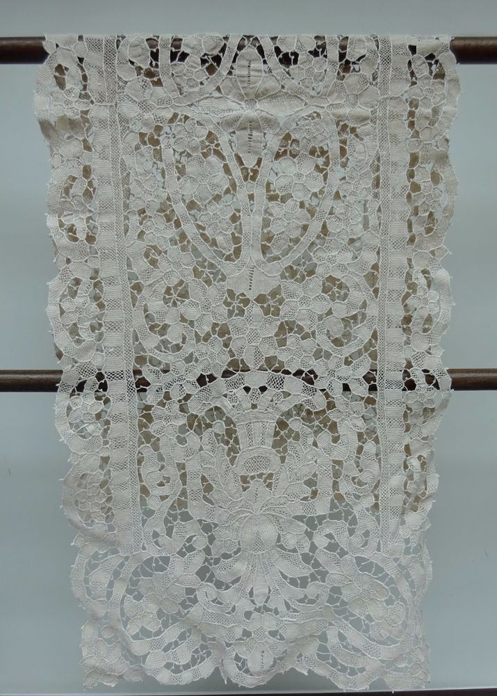 Point de Venise Long Table Mat Vintage Handmade Needle Lace Antique Ecru Cover