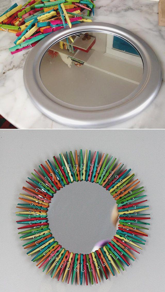 Colorido espejo con pinzas para la ropa / http://www.auntpeaches.com/
