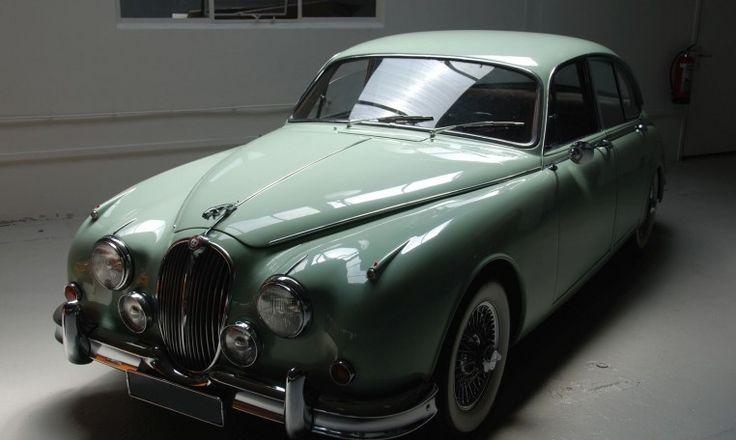 http://superclassics.nl/en/for-sale/19-jaguar/1559-jaguar-mk-2