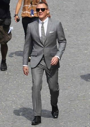 Checking out this James Bond Grey Skyfall Suit as it is now available in our online store of Hexder.com #JamesBond #Skyfall #DanielCraig #Fashion #Mens #Mensfashion #Menssuit #JamesBondSuit #Shopping #OnlineShopping #Clothing #Style #Entertainment  #Hollywoodmovie