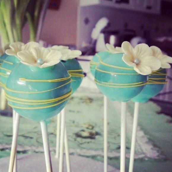 Floral cakepop decoration
