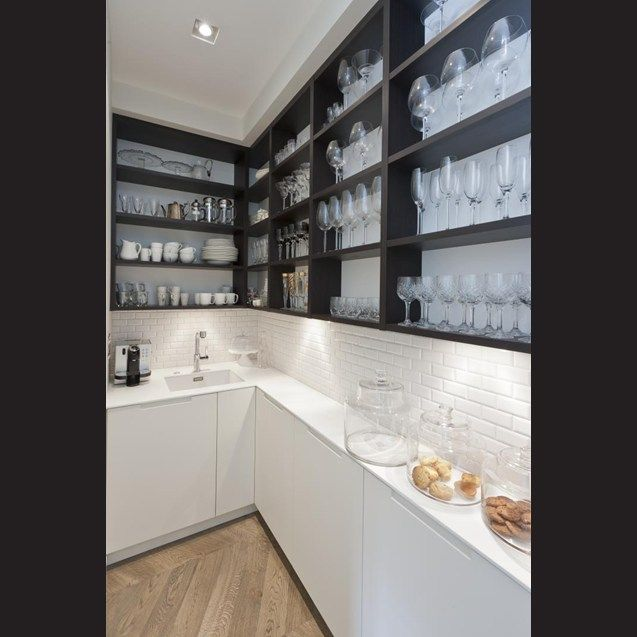 The subway tiles are continued in the narrow scullery – tucked in behind the kitchen.