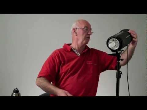Flash strobe or continuous lighting for studio work - YouTube: This guy does a great job explaining the basics - different options for studio light
