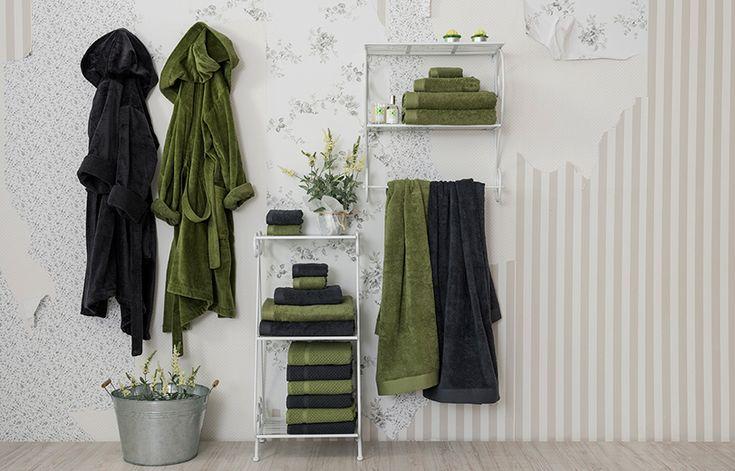 Los tonos verdes predominan en la colección, y en el baño los encontramos en verde claro y verde oscuro, casi negro. - See more at: http://blog.lamallorquina.es/es/viste-de-primavera-tu-cuarto-de-bano/#sthash.nf5gphyW.dpuf