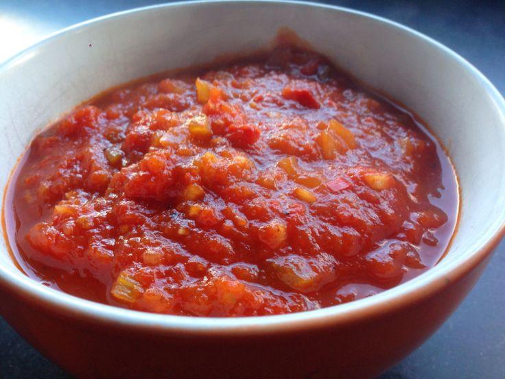 Zelfgemaakte ketchup. Heinz culinair. Maar nu weet je wat er in zit.  http://bbq-helden.nl/recepten/zelf-ketchup-maken/