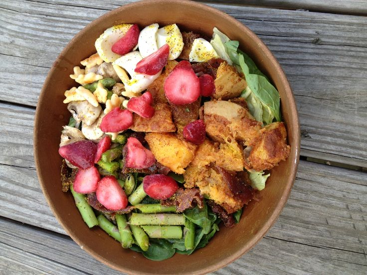 My salad today was just a little different(: I added boiled egg and turkey jerkey for my protein instead of grilled shrimp.   Spinach, chilled cinnamon butter it squash, raw asparagus, mushrooms, Annies all natural white cheddar bunnies, frozen strawberries, lemon pepper, red whine vinegar and mustard.