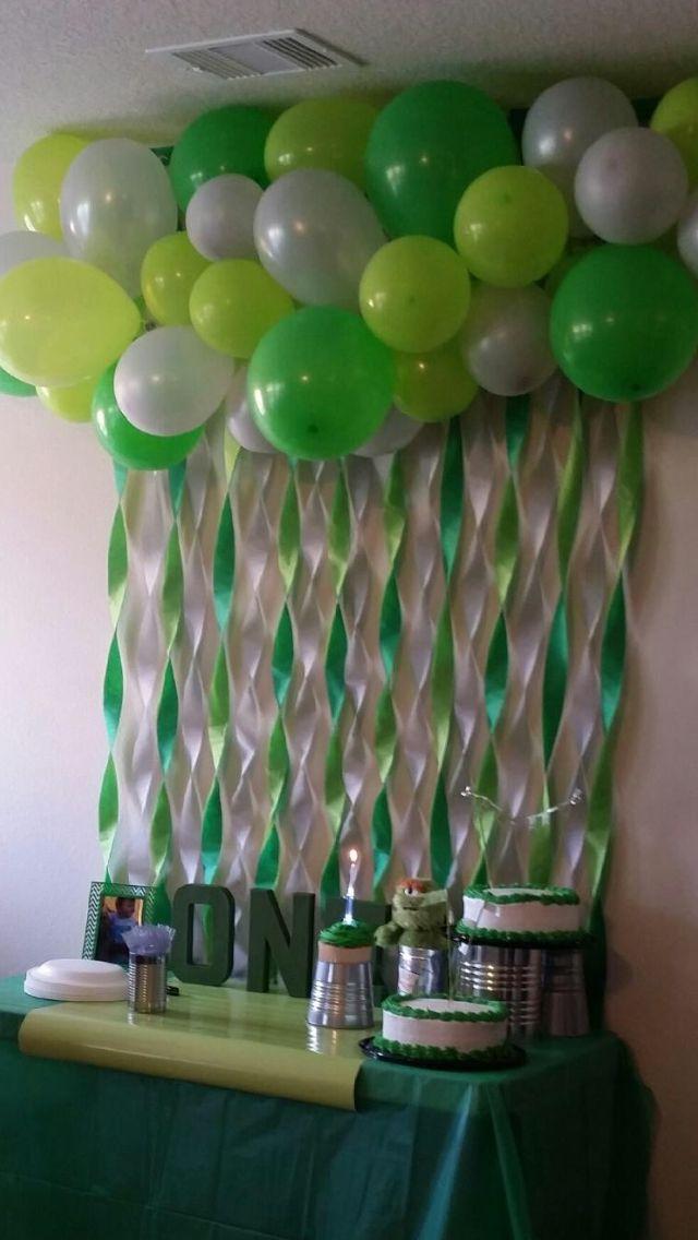 Cake table. Oscar the Grouch themed party
